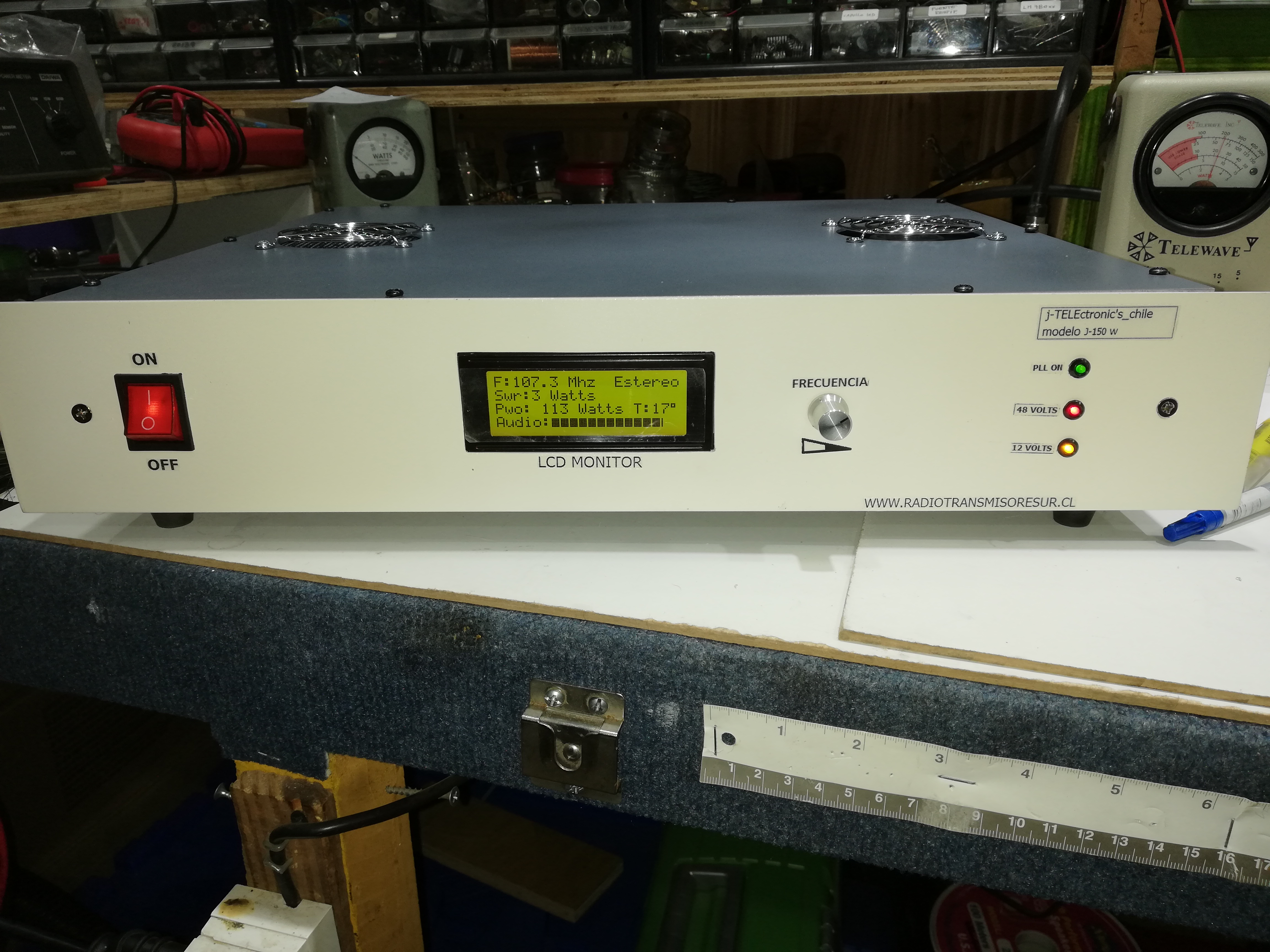 transmisor de 0 a 150 w digital  rango frecuencia, 88 a 108 mhz